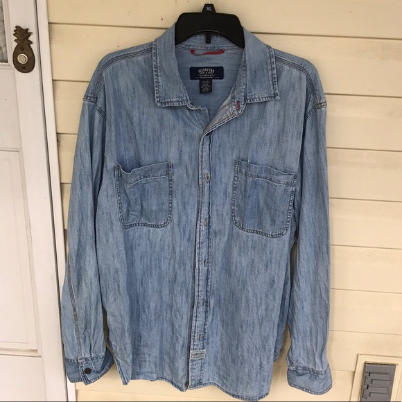 Signature by Levi Strauss Other - Levi's Denim Shirt - Men XL